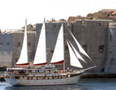 Orvas Yachting - Boote und Yachten mieten