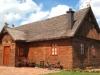 naslovna-drvena-kuca-slamnatim-krovom-stara-hiza-selnica-slika-16265160